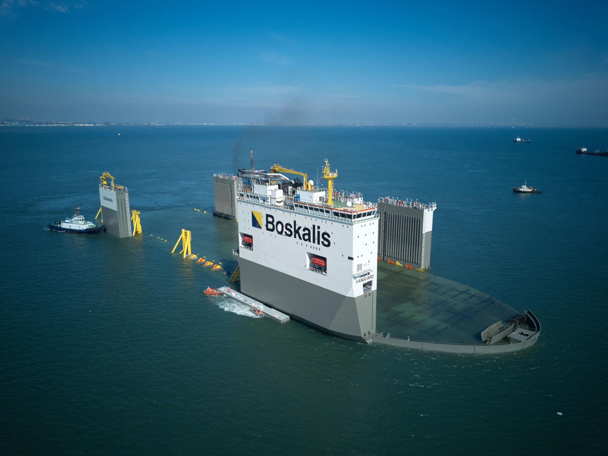 Boskalis_Offshore_Energy_Heavy_Marine_Transport_-_BOKA_VanGuard.jpg